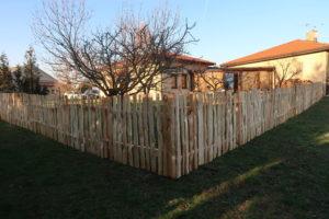 dřevěný plot, přírodní plot